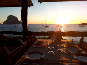 Satsang.eu | Ibiza | dinner at Es Vedra